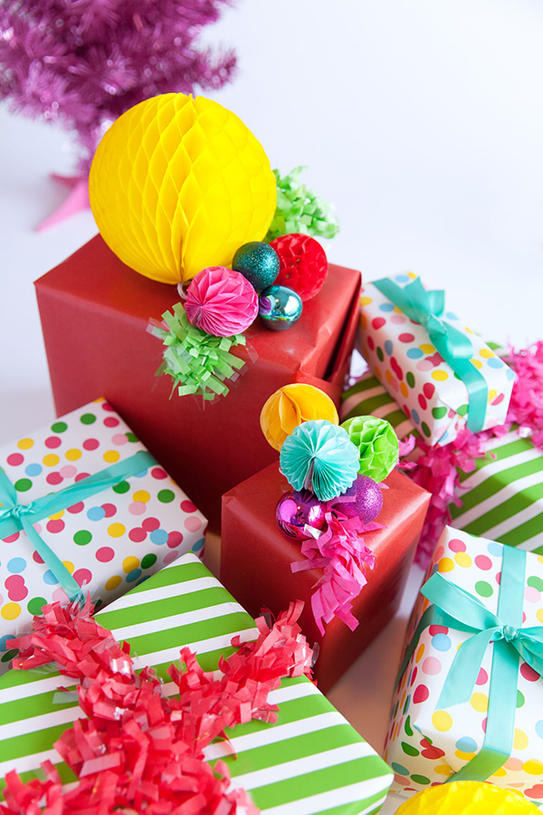 best-tips-to-decorate-your-HDB-festive-gift-wrap