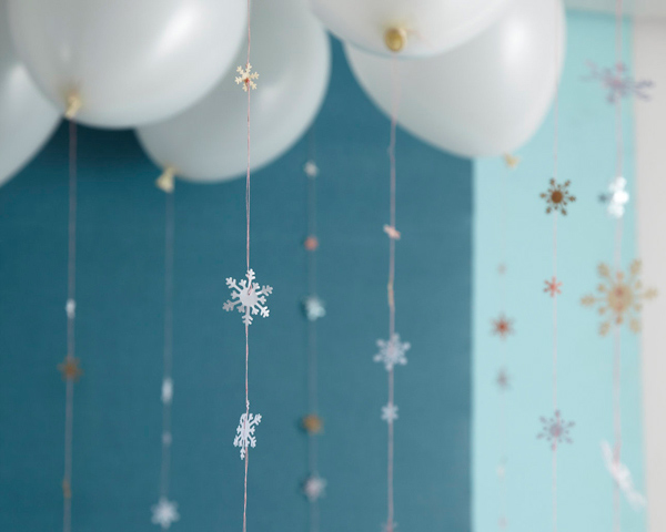 best-tips-to-decorate-your-HDB-paper-snowflakes