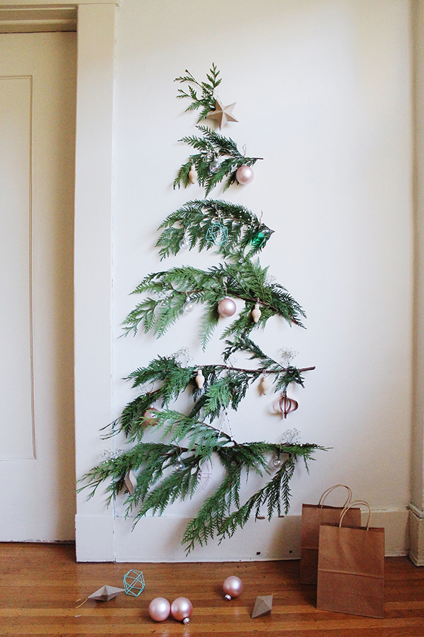 best-tips-to-decorate-your-HDB-small-space-christmas-tree