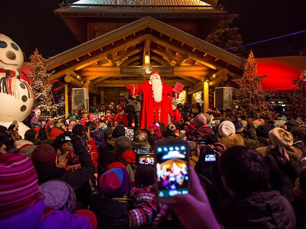 cities-to-go-to-during-christmas-Rovaniemi-Lapland-Finland-2