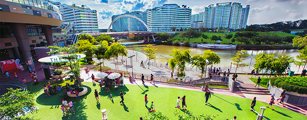 interesting-picnic-spots-singapore-the-plaza-waterway-point