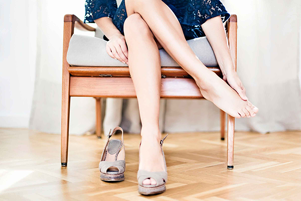 what-to-throw-out-of-wardrobe-shoes-that-make-feet-hurt