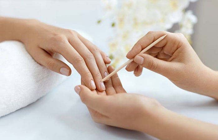 mothers-day-manicure
