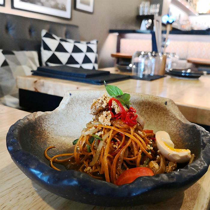 the-sampan-review-salad