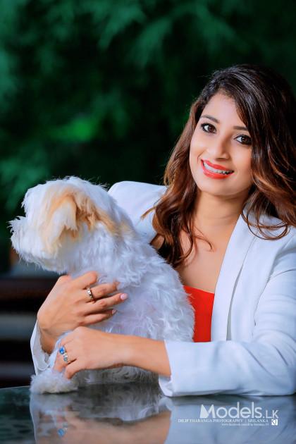 Nadeesha Hemamali by Dilip Tharanga - ModelsLK