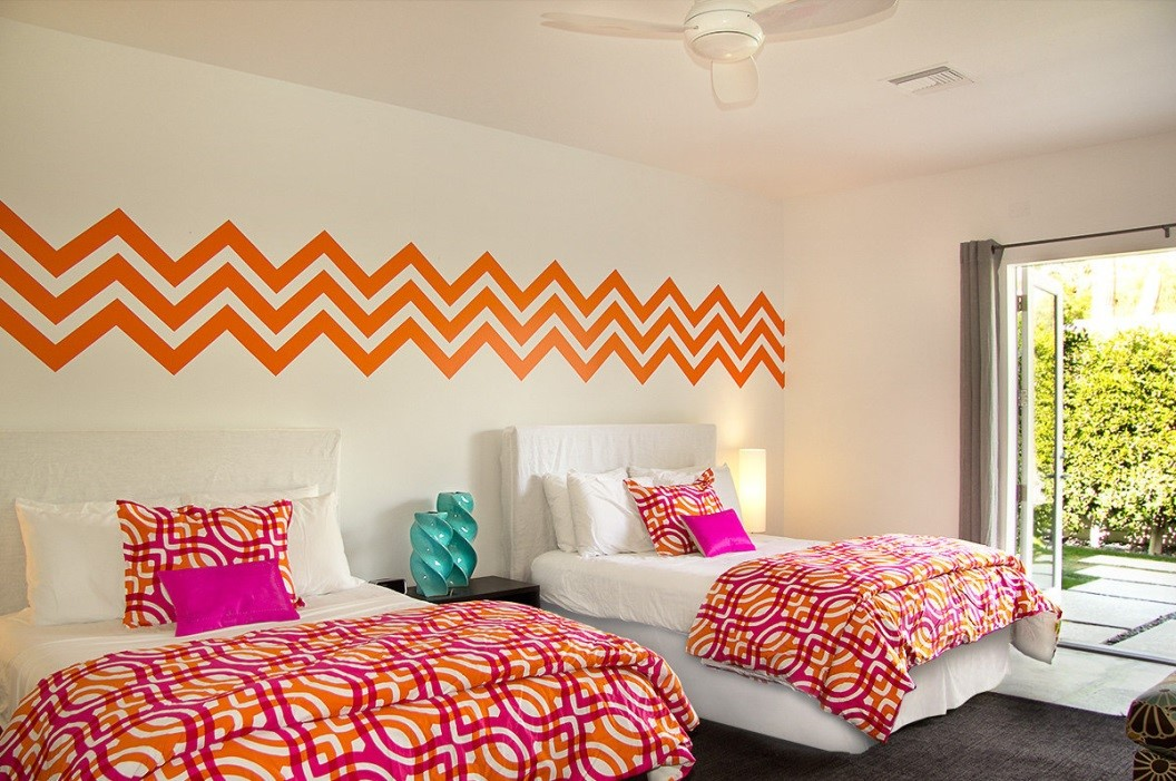 zigzag lines for wall decor