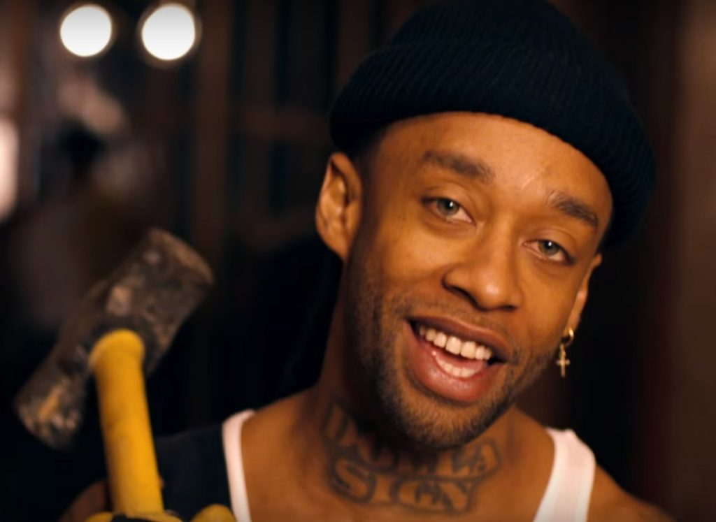 ty dolla $ign carrying sledgehammer