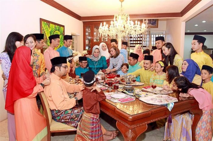 hari raya open house celebration