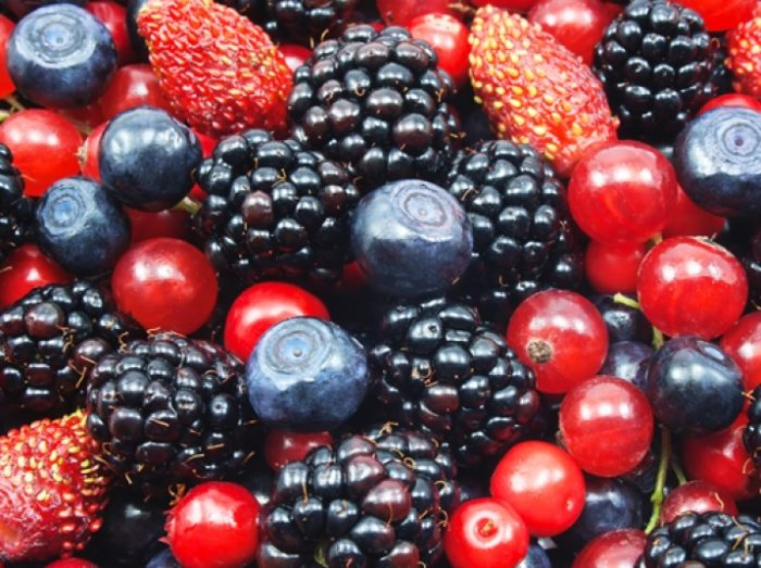 colorful berries-fruits-healthy eating