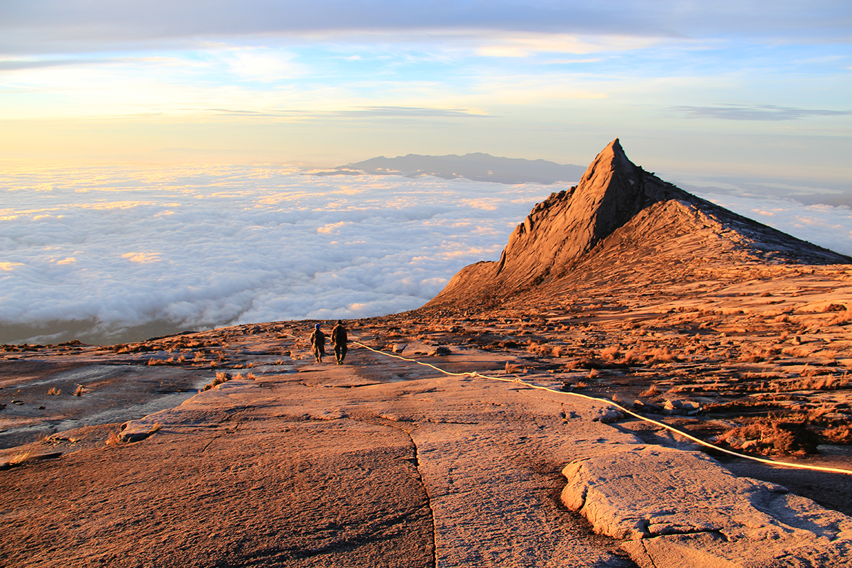 mount-kinabalu-hike-travelbungle