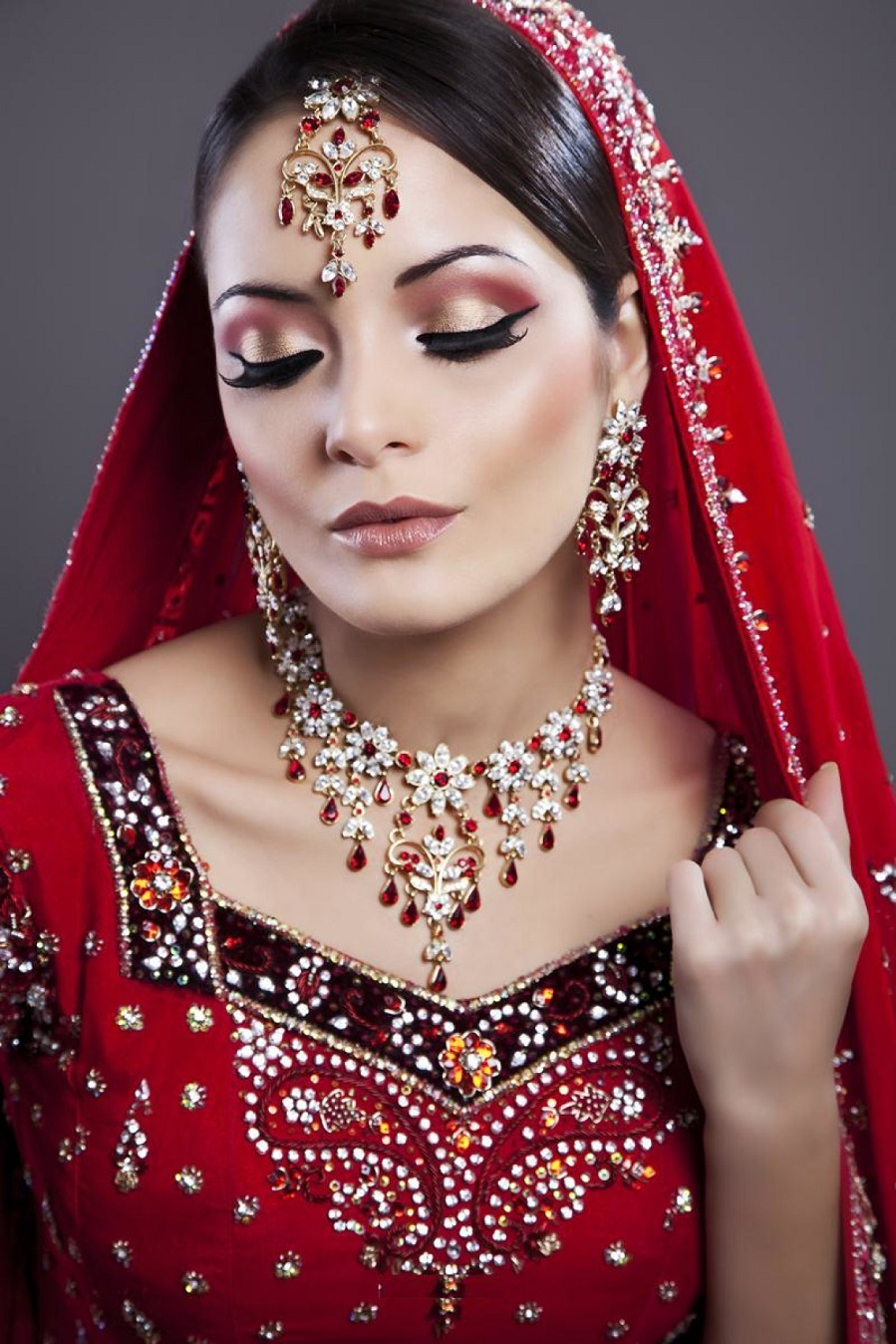 Wedding Makeup Ideas: Essential Makeup Tips Every Bride Needs On Her Wedding Day