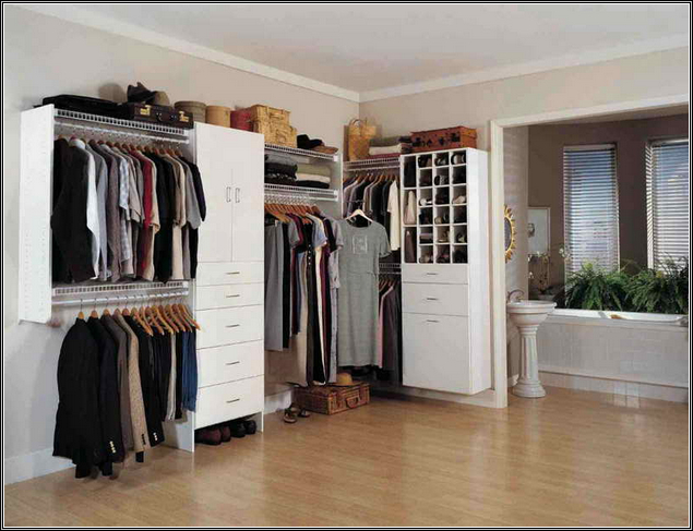 Beautiful doorless wardrobe to save space