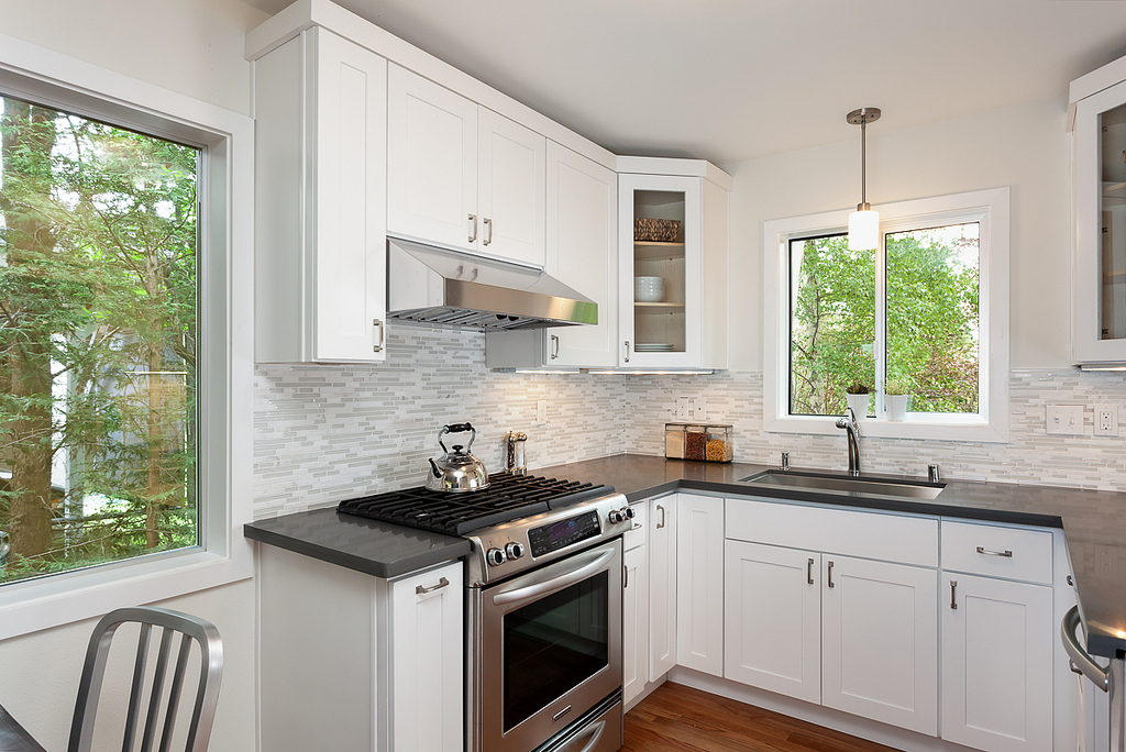 7 genius ways to make your small kitchen larger for Large kitchen window