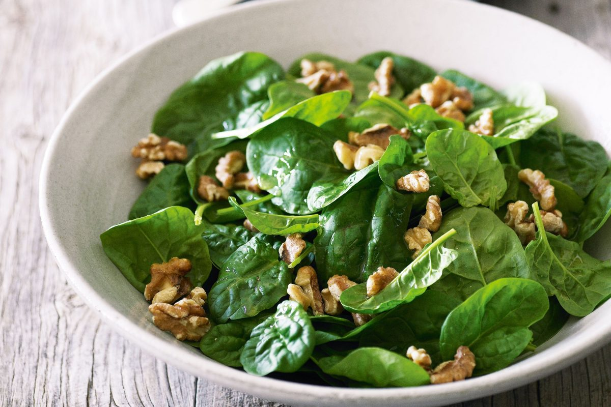 spinach walnut salad