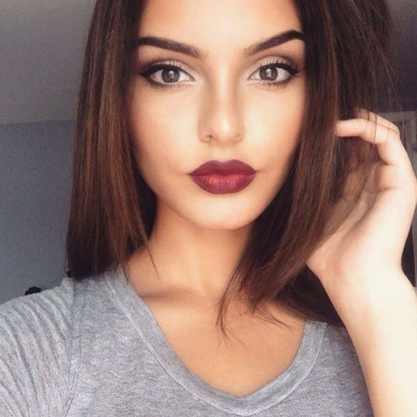 dark lipstick makeup