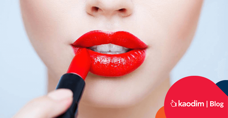 creative ways to use red lipstick