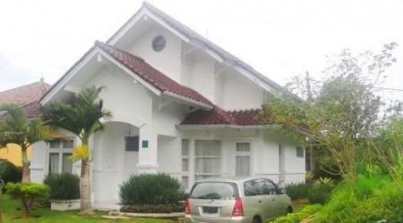 villa nyaman untuk keluarga