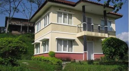 Sewa Villa Asri Nyaman Ciater