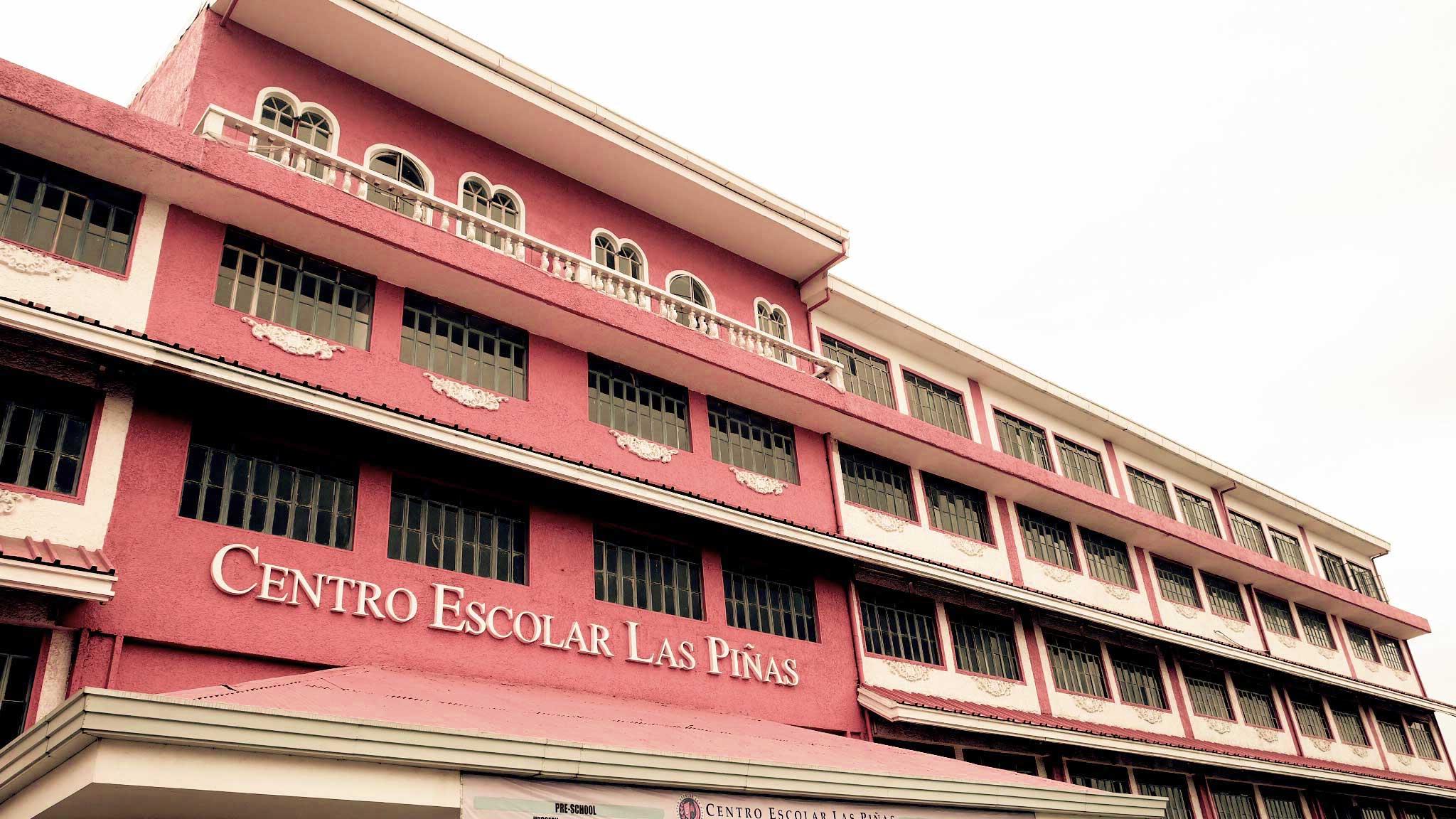 Facade of Centro Escolar Las Piñas
