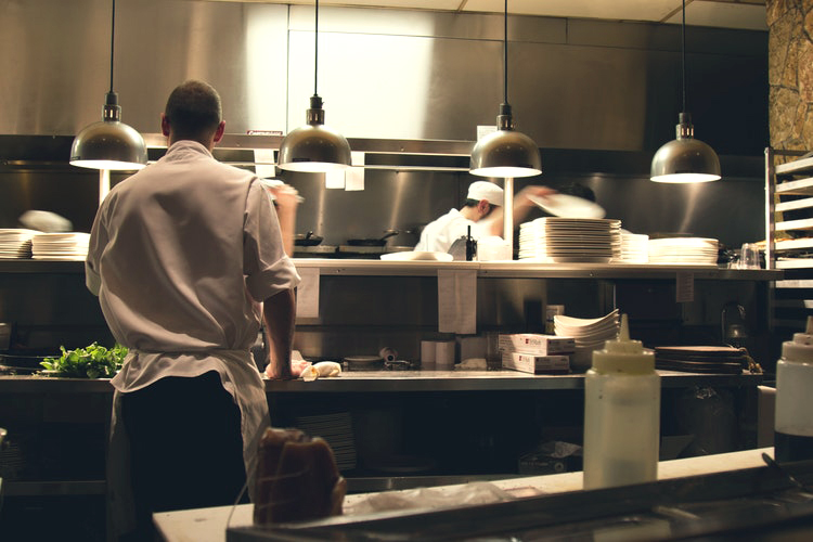 careers in hotel and restaurant management