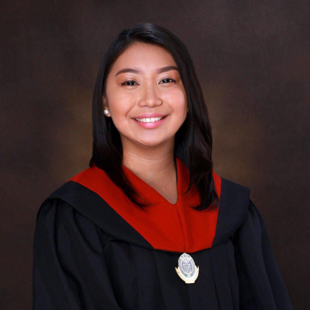graduation photo of a girl