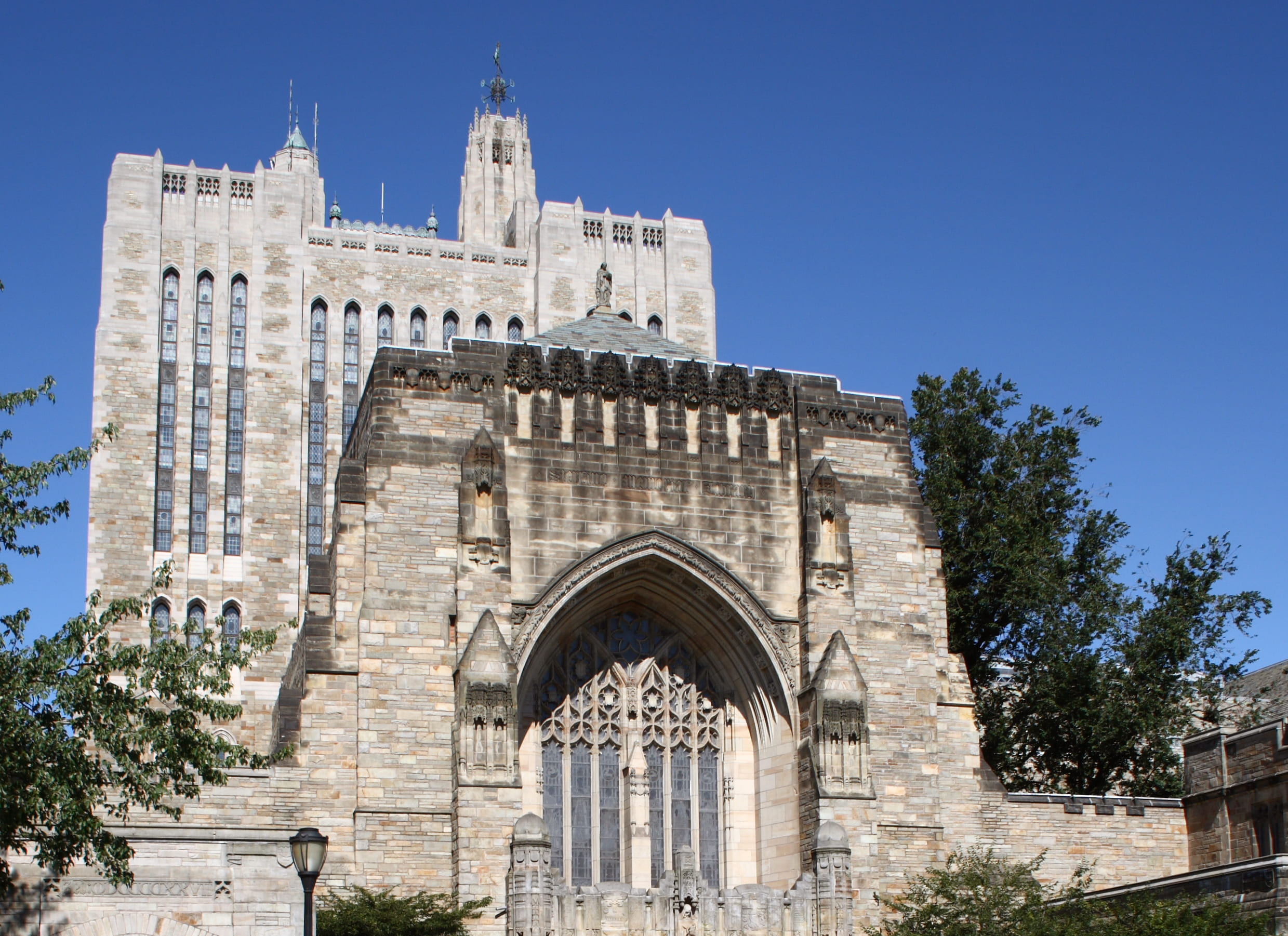 Yale Sterling Memorial Library facade