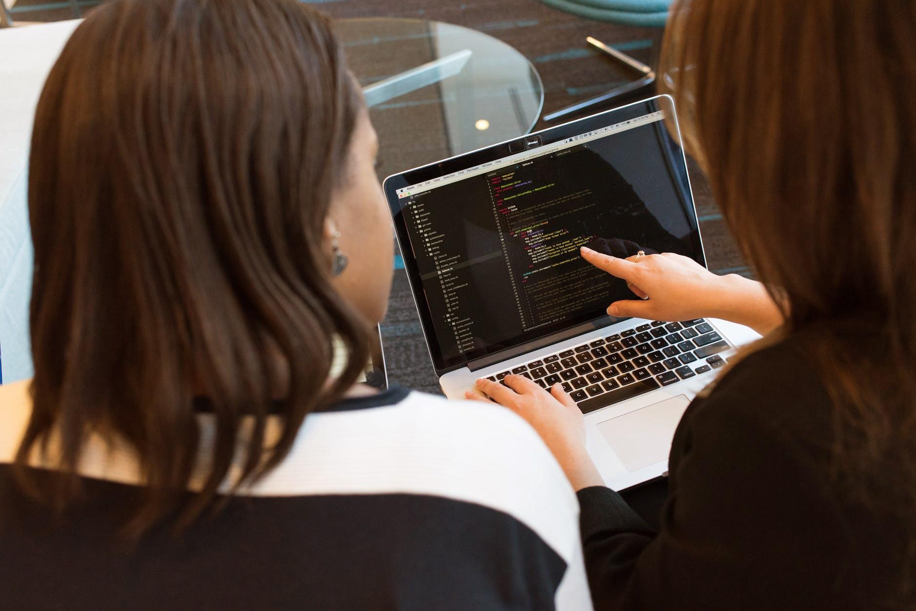 Women in STEM, women coding