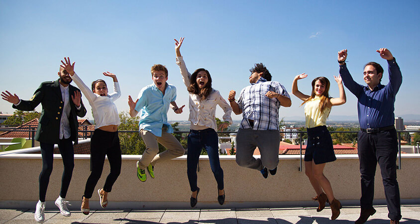 Saint-louis-university-madrid-students-jumping