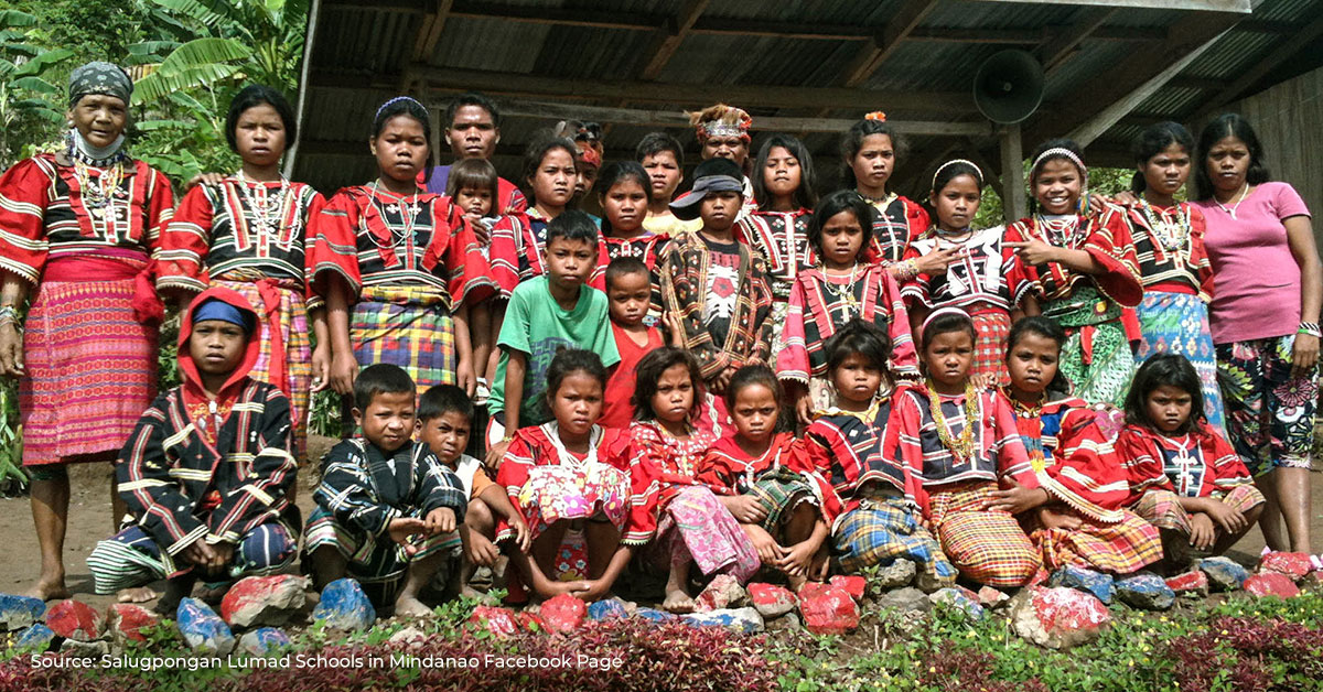 group of students in Indigenous Peoples (IPs) community