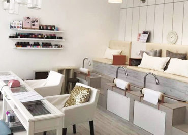 Manicure Pedicure Beauty with Fave