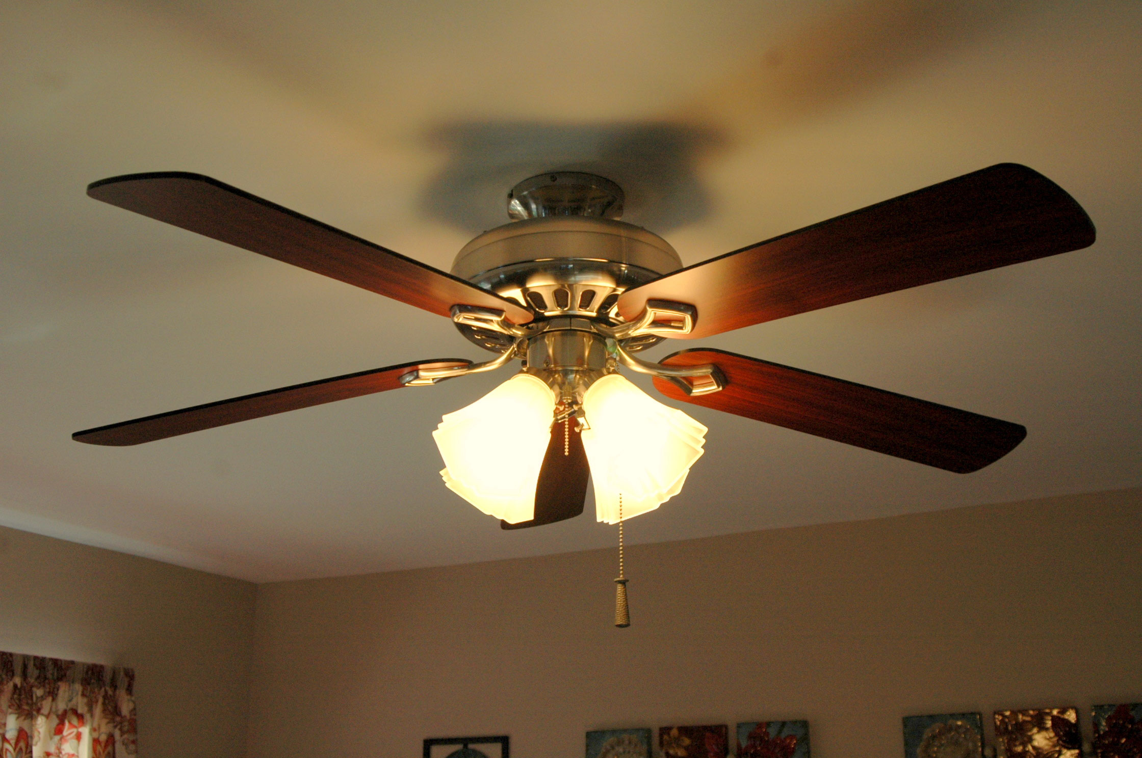 ceiling fan atau kipas angin gantung