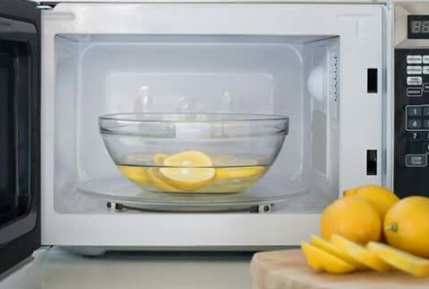 how-to-clean-microwave-oven-using-lemon