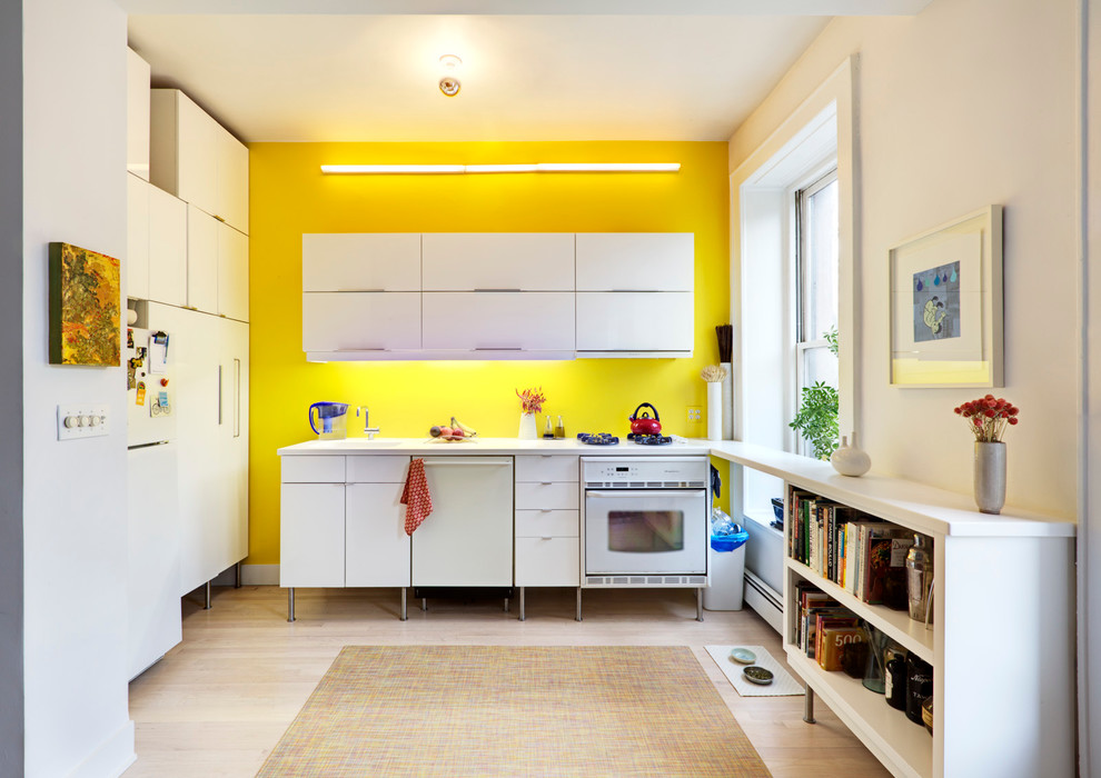 neon-yellow in kitchen