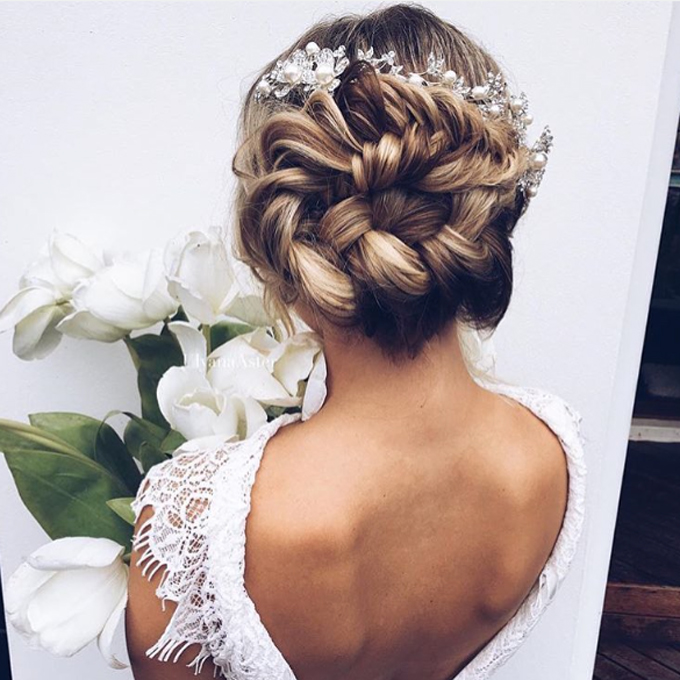 Hairstyles For Weddings With Braids: 10 Glamorous Hairstyles For The Beautiful Bride