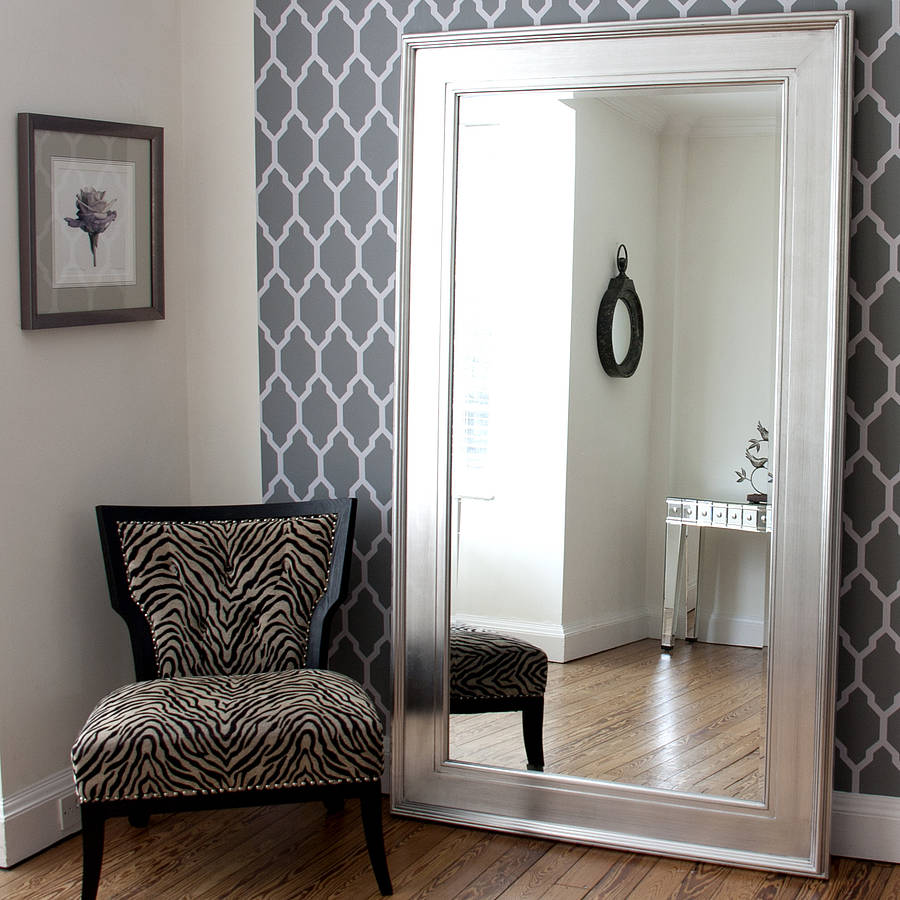 5 furniture pieces you shouldn t be afraid of gawin for Large silver wall mirror
