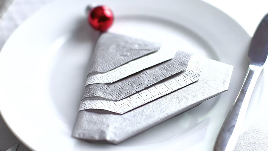 handmade-christmas-christmas-tree-napkin-folding-hero