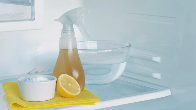 lemon, vinegar and baking soda as cleaning tools