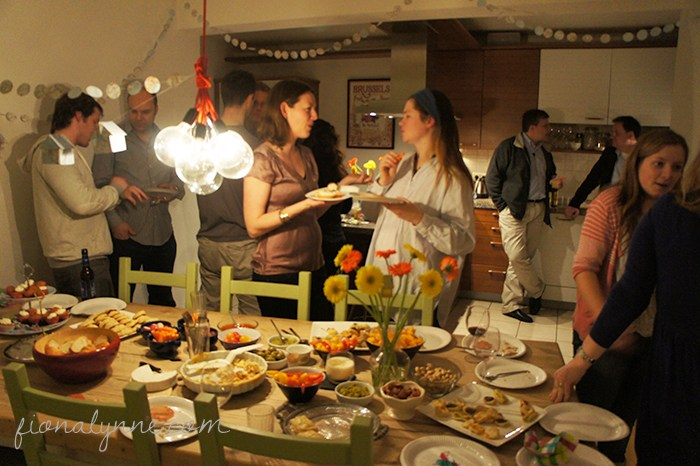 5 best ways to celebrate moving into a new home gawin for Things to do at a housewarming party