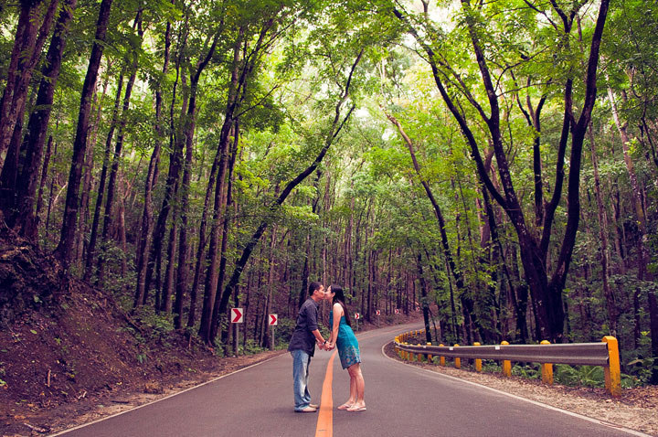 Prenuptial photo in Bohol forest