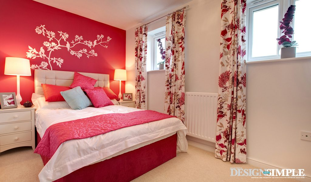 bedroom with rose motifs and colours