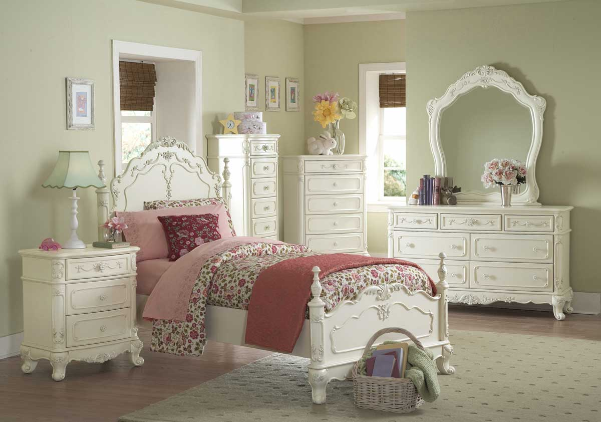How To Create A Beautiful Vintage Style Bedroom