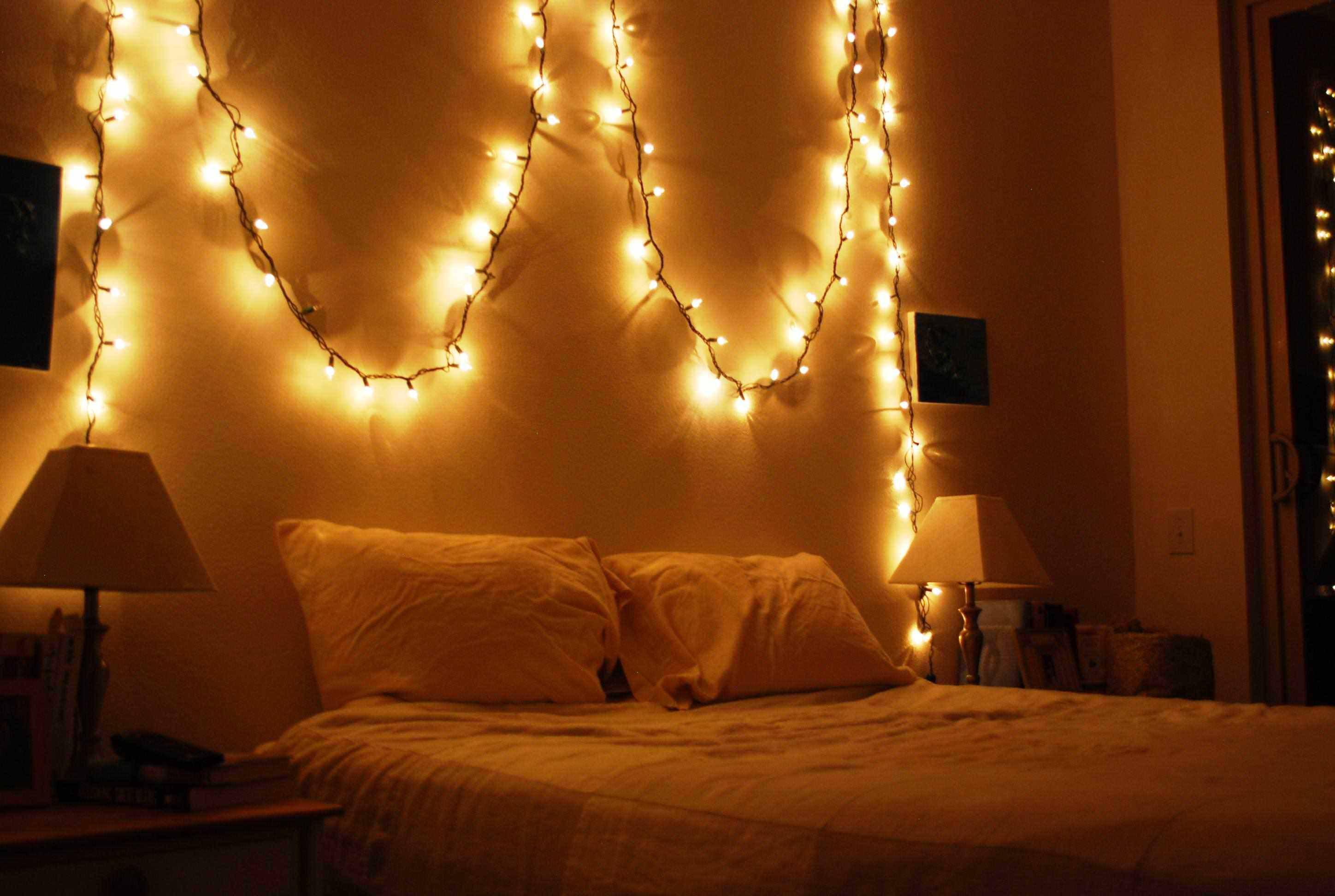 Here Are The Best Lights That Create A Warm Cosy Bedroom