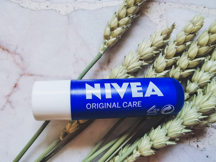 REVIEW | Nivea Lip Care Caring Lip Balm Original 4.8g