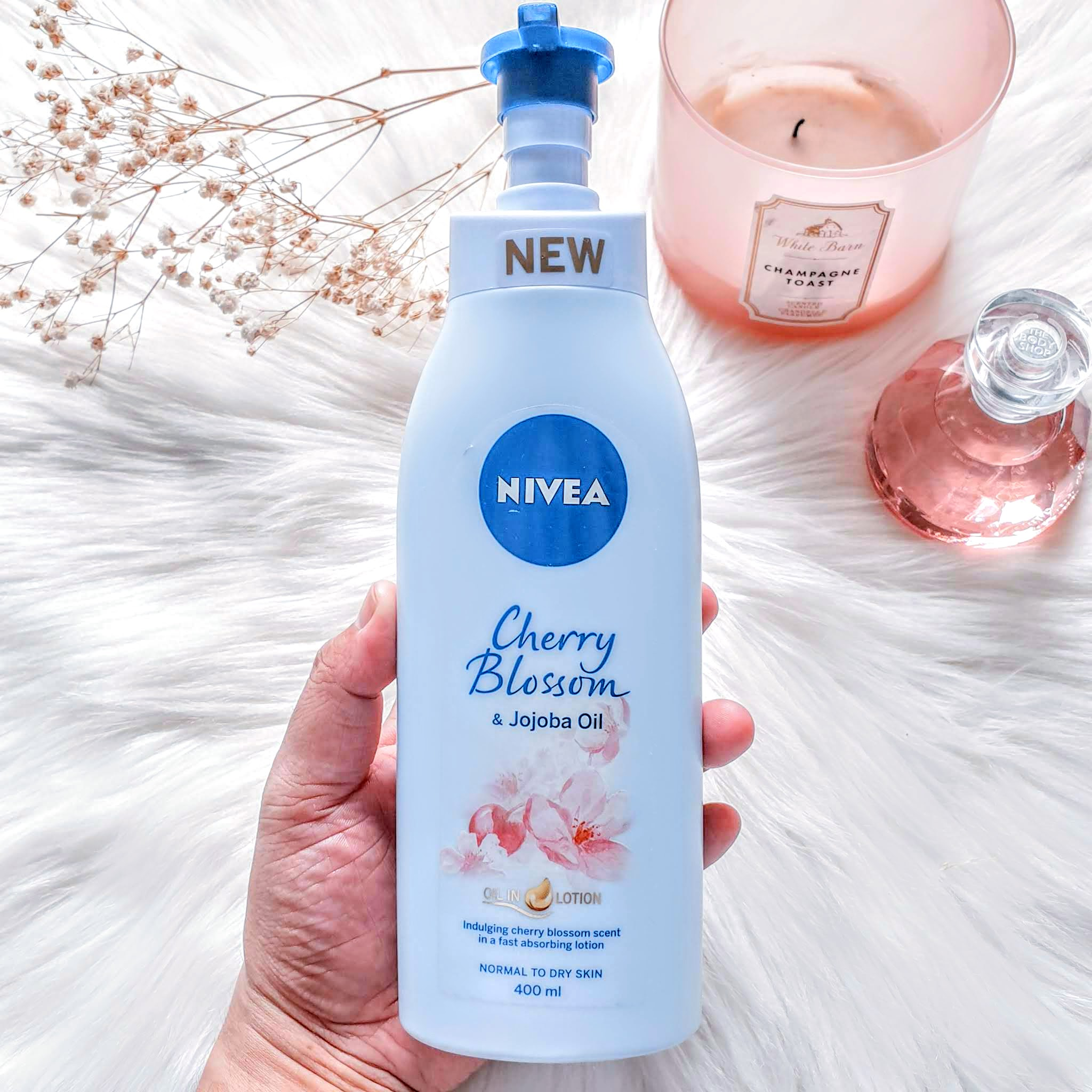 Nivea Oil-in-Lotion Cherry Blossom & Jojoba Oil | Review