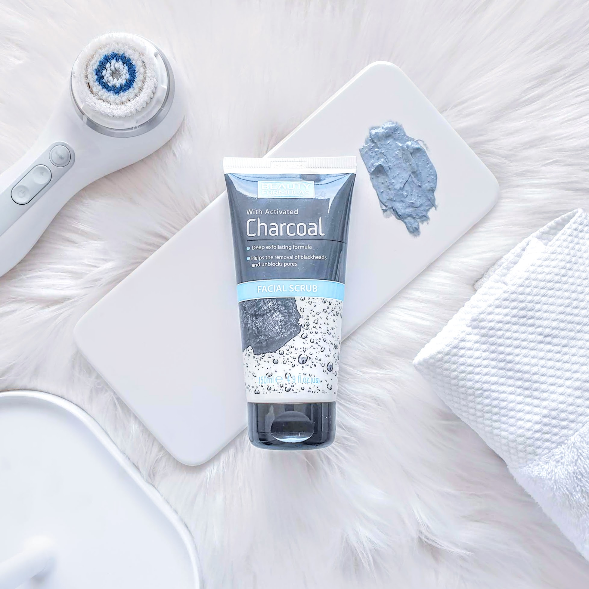 REVIEW | Beauty Formulas Activated Charcoal Facial Scrub