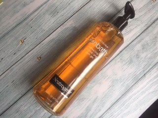 REVIEW | Neutrogena Rainbath Shower and Bath Gel