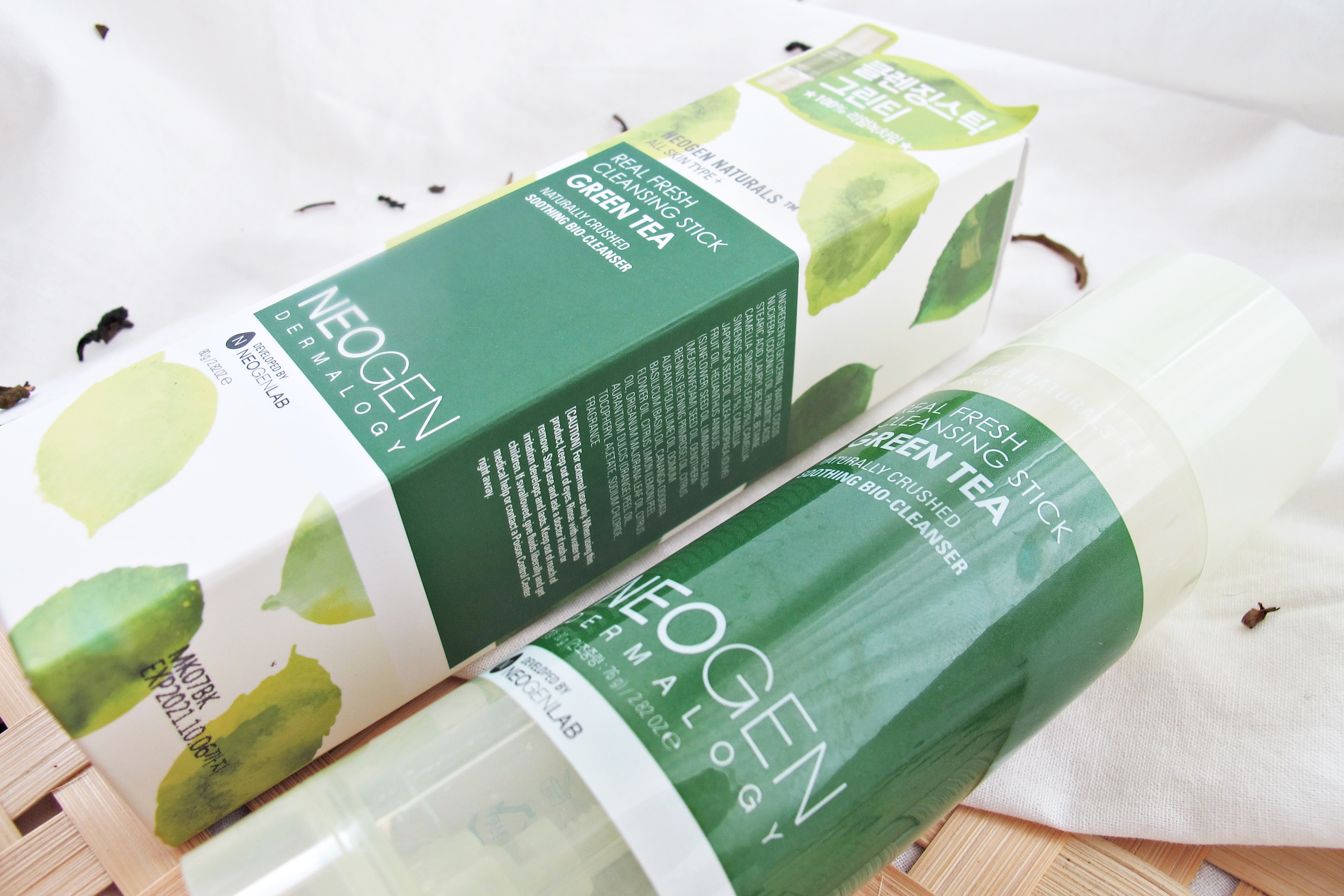 REVIEW | 2-in-1 Cleanse with Neogen Real Fresh Green Tea Cleansing Stick