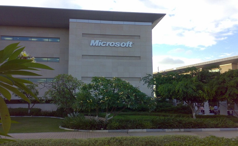 how to get an internship at microsoft