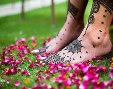 8 Things To Look At While Finalising Your Mehendi Artist