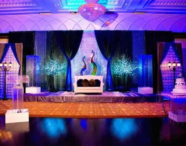 Peacock Themed Wedding, Add A Little Glam With These 10 Ideas